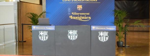 Lliurament insígnies d'or a socis del FC Barcelona